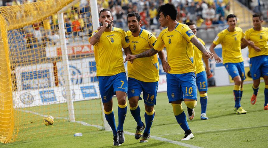 Las Palmas v Valencia - La Liga