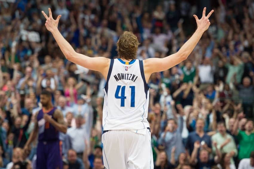 Dallas Mavericks v Los Angeles Clippers - NBA